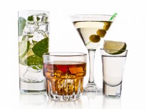 Вред алкоголя для зубов